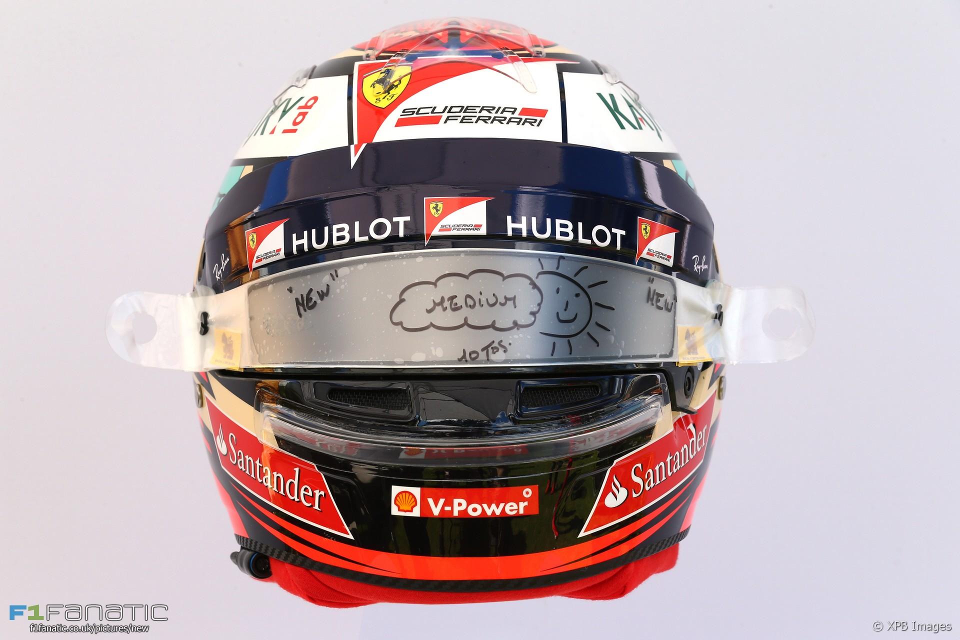 Kimi Raikkonen helmet, Ferrari, 2017