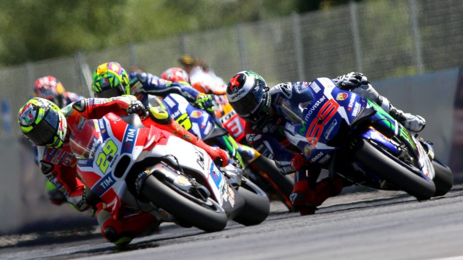 Verstappen wants 'pure racing like Moto GP'