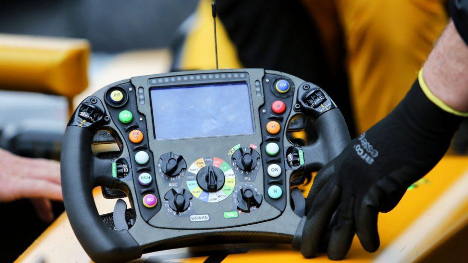 Renault RS17 steering wheel, Shanghai International Circuit, 2017