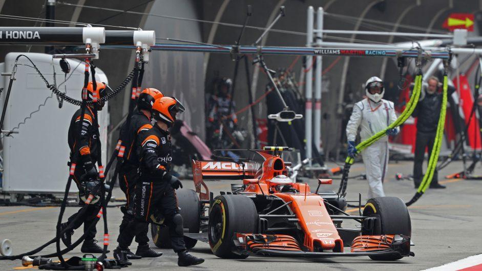 Stoffel Vandoorne, McLaren, Shanghai International Circuit, 2017