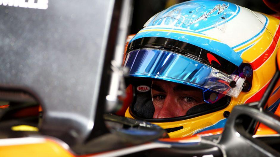 Fernando Alonso, McLaren, Bahrain International Circuit, 2017