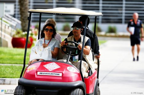 Fabiana Flosi in Bernie Ecclestone's golf buggy, Bahrain International Circuit, 2017