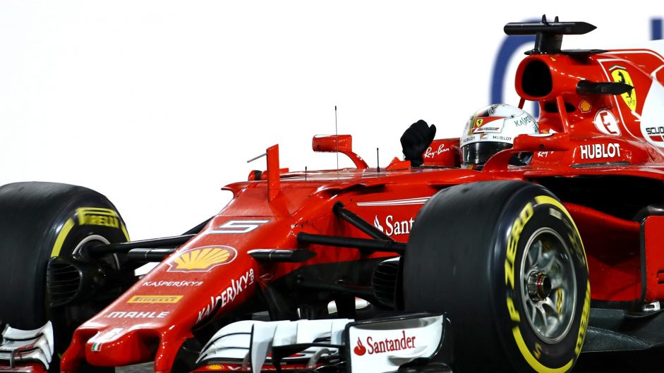 Vettel divides and conquers Mercedes duo
