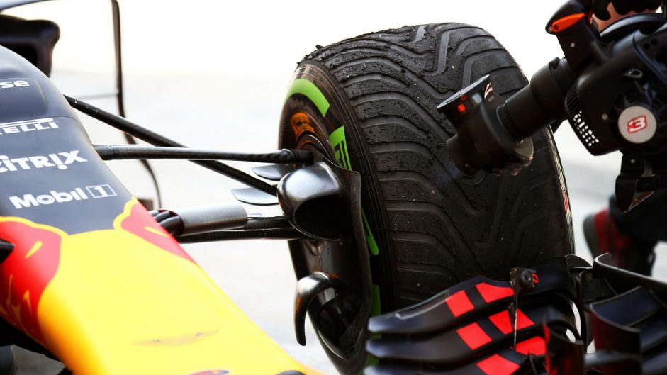 Red Bull RB13, Bahrain International Circuit, 2017