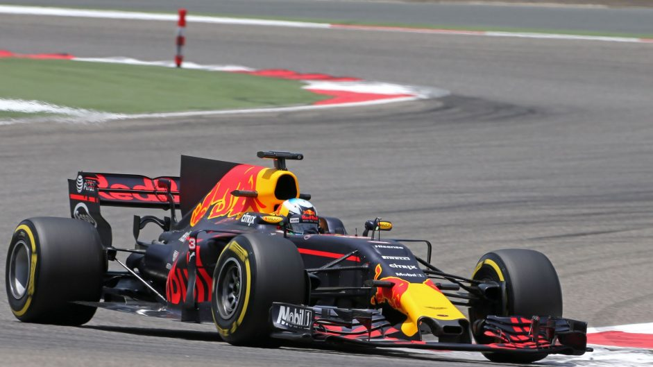 Daniel Ricciardo, Red Bull, Bahrain International Circuit, 2017