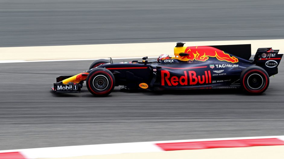 Pierre Gasly, Red Bull, Bahrain International Circuit, 2017