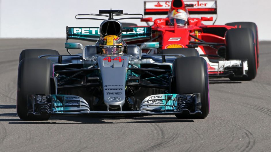 """Horner: Ferrari will favour a """"clear number one"""" to beat Mercedes"""
