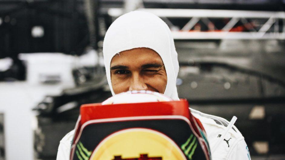Hamilton falls fouls of F1's social media rules again