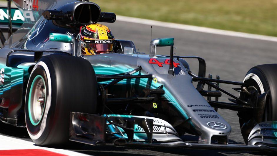 Hamilton keeps Mercedes ahead as Ferrari close in