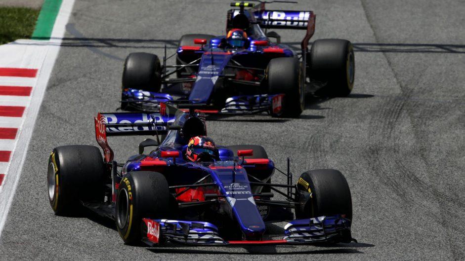 2017 F1 team mate battles: Sainz vs Kvyat at Toro Rosso