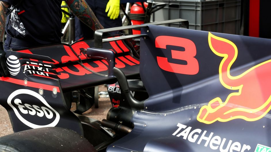Red Bull RB13 T-wing, 2017