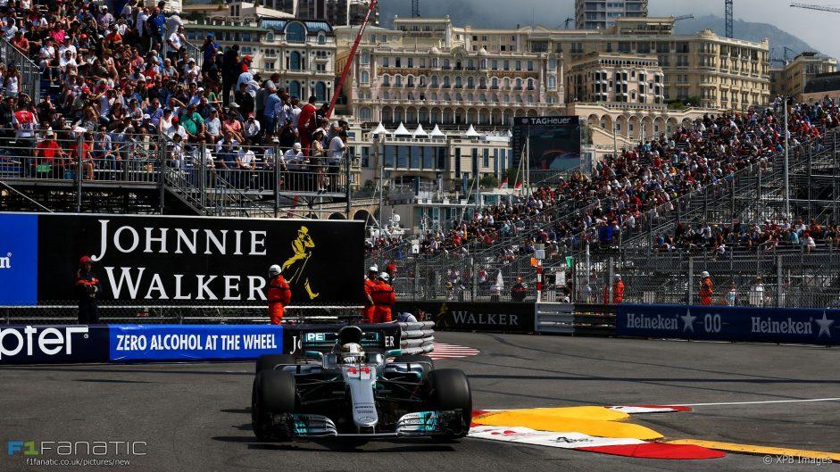 Hamilton leads close first session in Monaco