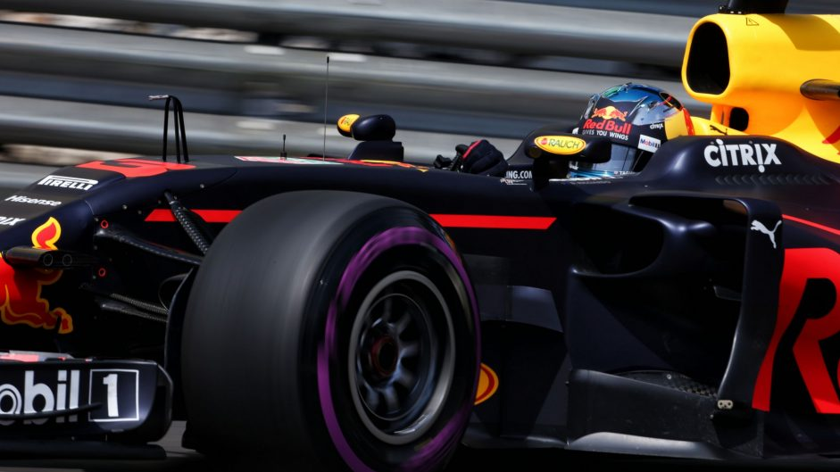 Ricciardo 'frustrated' with Red Bull tactics