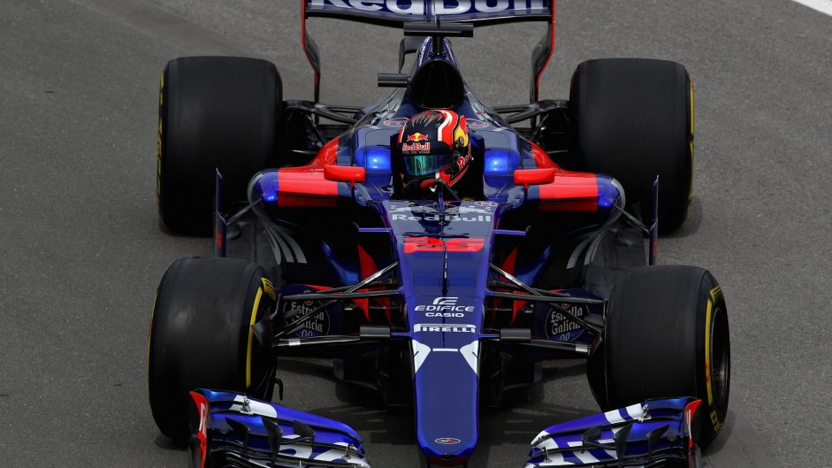 Kvyat and Magnussen given two penalty points each