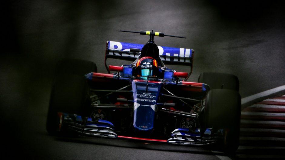 Sainz frustrated by Toro Rosso slipstream tactics