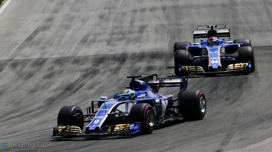 Sauber attacks claims of driver favouritism