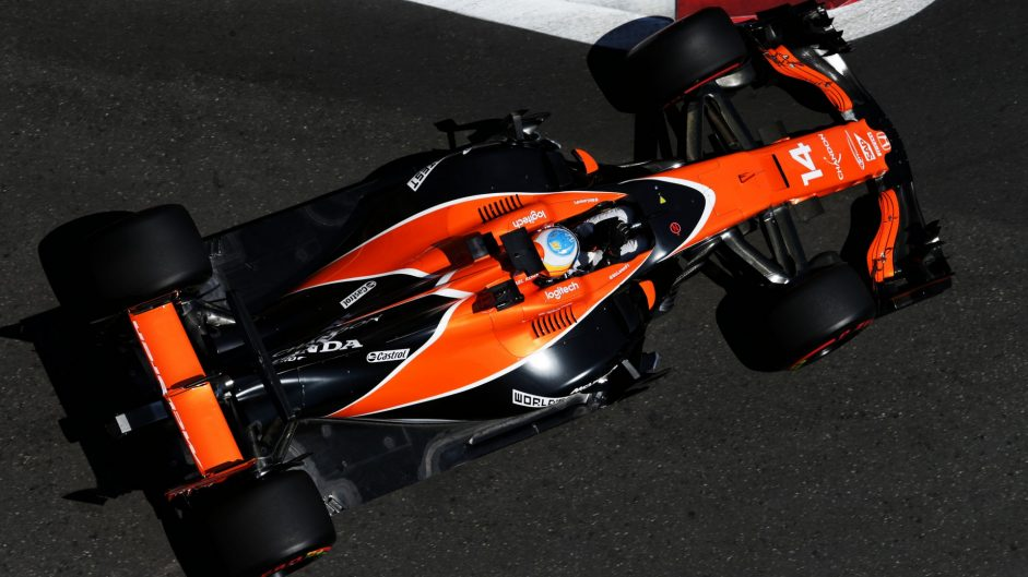 Fernando Alonso, McLaren, Baku City Circuit, 2017