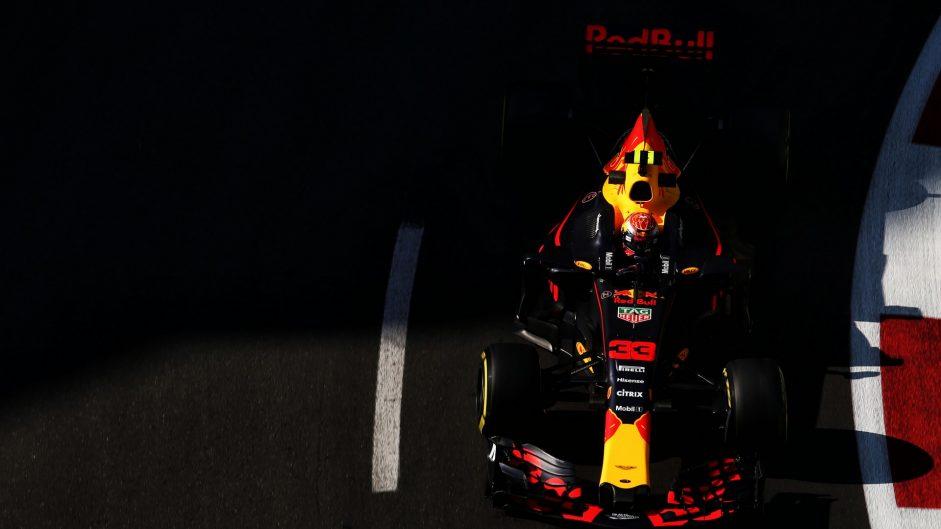 Verstappen fastest, then crashes in second practice