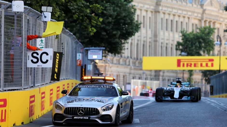 "Baku Safety Car restarts ""dangerous"" – Sainz"