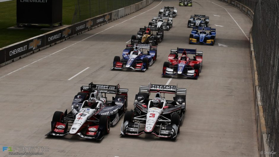 IndyCar title fight closes up in Detroit