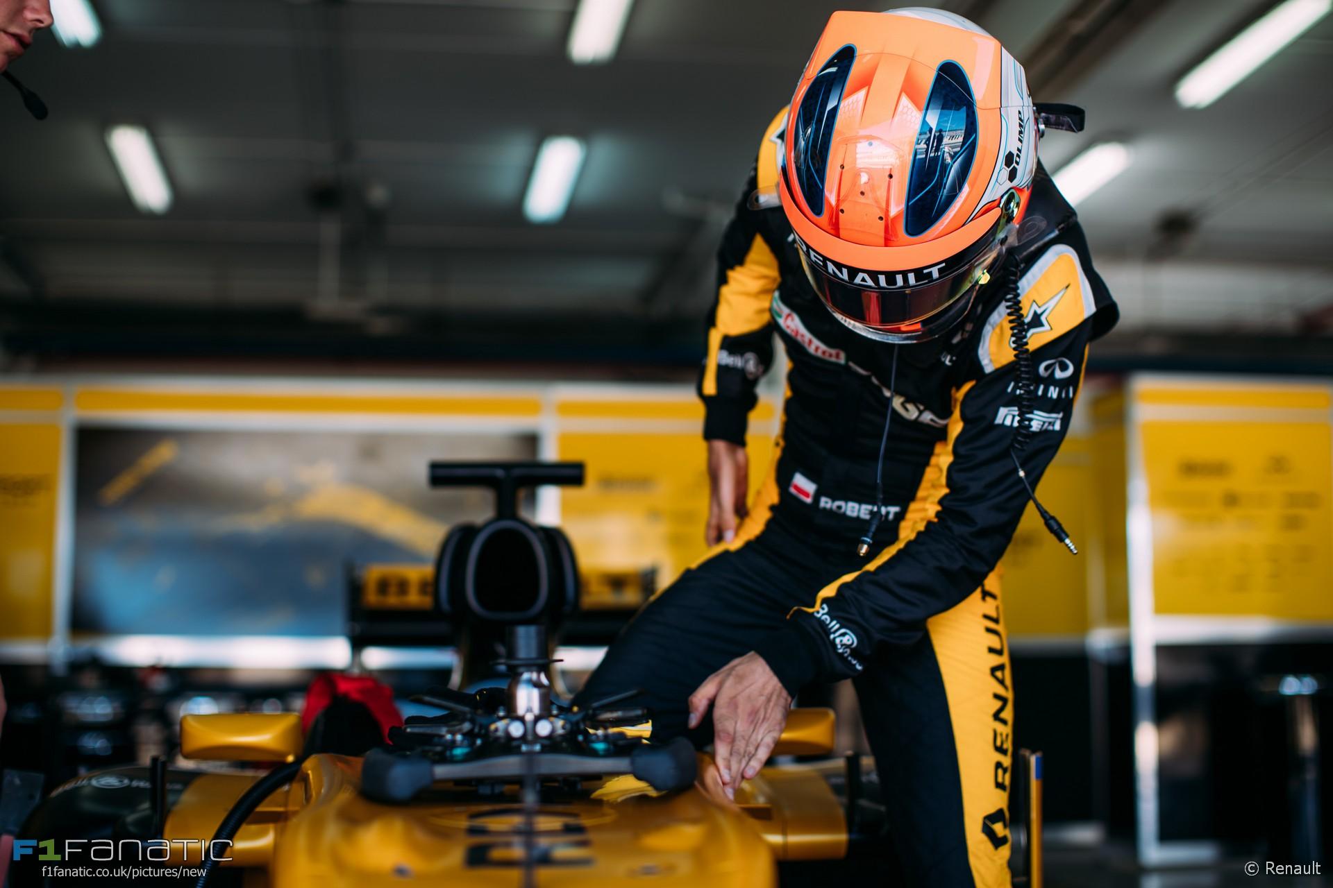 Robert Kubica Renault Valencia 2017 183 F1 Fanatic