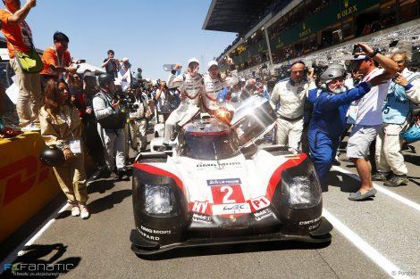 Brendon Hartley, Timo Bernhard, Earl Bamber, Porsche, Le Mans 24 Hours, 2017