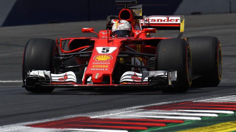 Vettel leads brake-troubled Hamilton in final practice