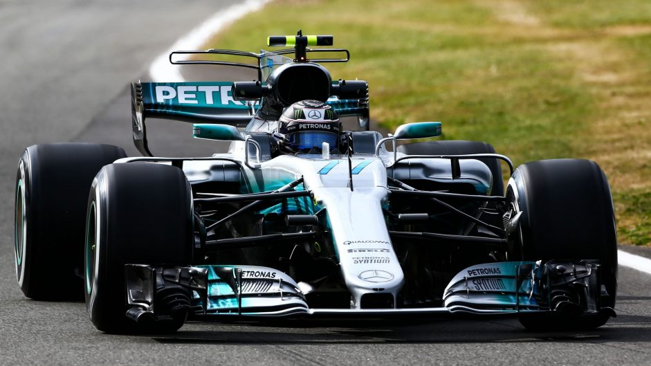 Bottas breaks Silverstone track record in first practice