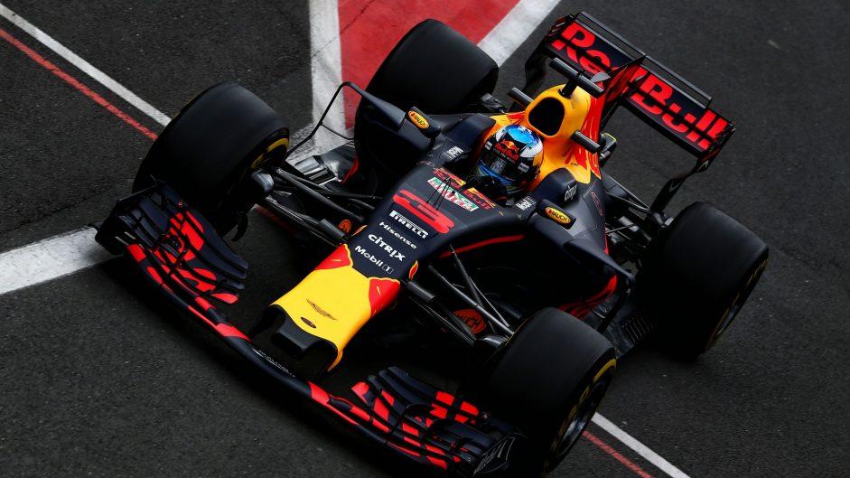 Ricciardo drops five grid places after gearbox change