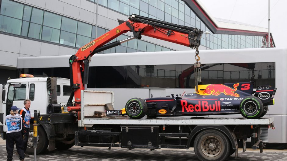 Ricciardo 'disappointed' after suspected turbo failure