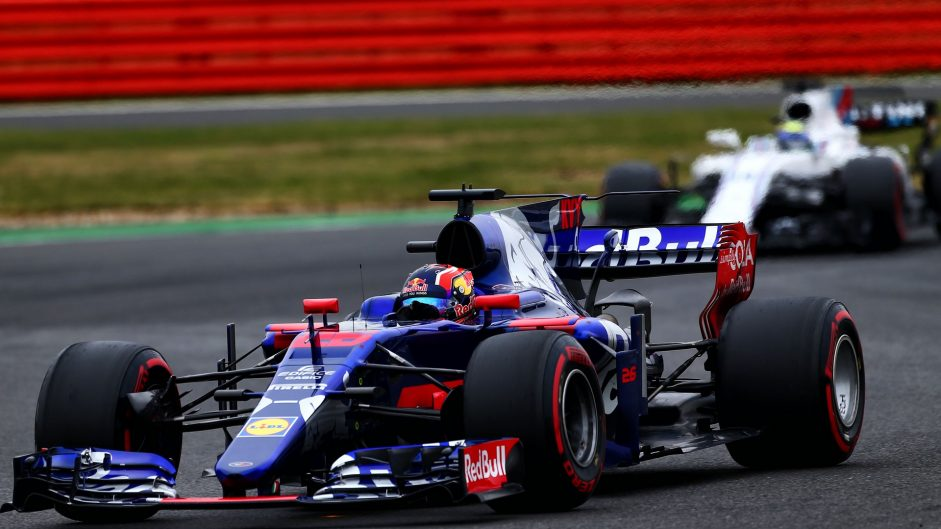 Kvyat handed two penalty points for lap one Sainz clash
