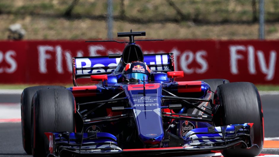 Kvyat reaches ten penalty points and gets grid drop