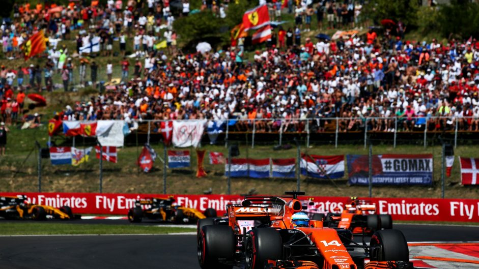 """Kamikaze move"" necessary to pass Sainz – Alonso"