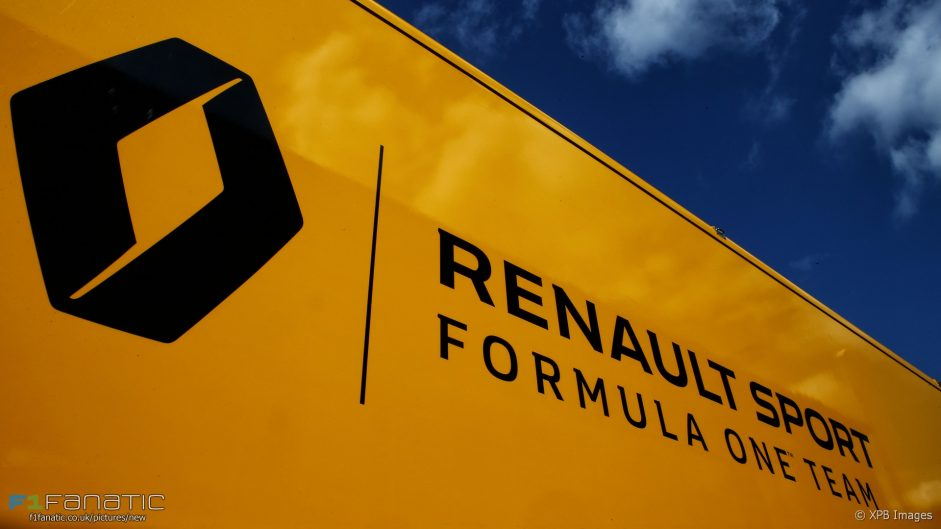 McLaren confirms three-year Renault engine deal for 2018