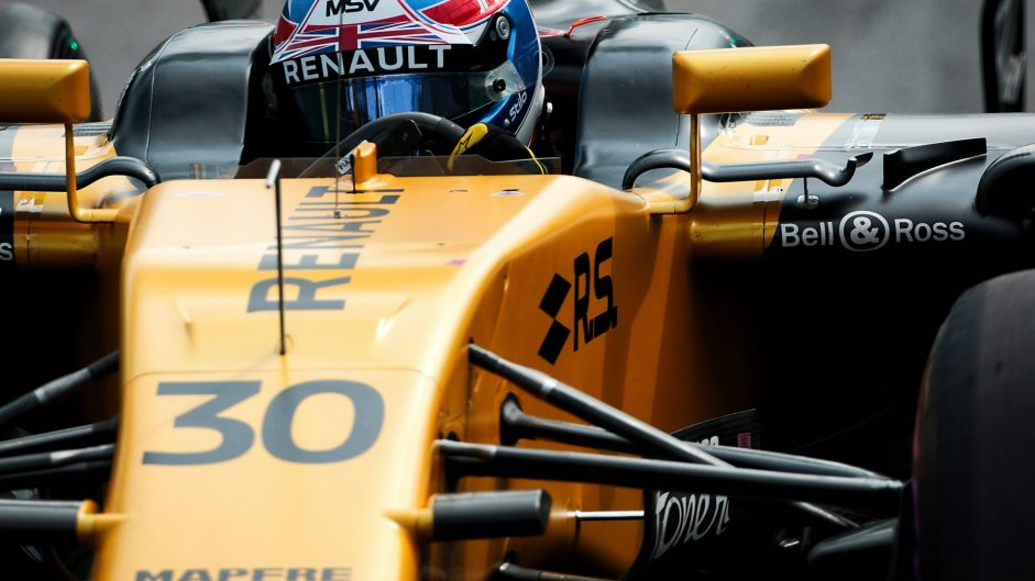 Palmer drops to 15th after gearbox change
