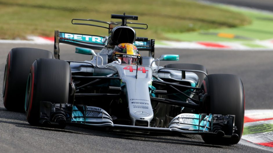 Mercedes lead Ferrari by a second in first practice
