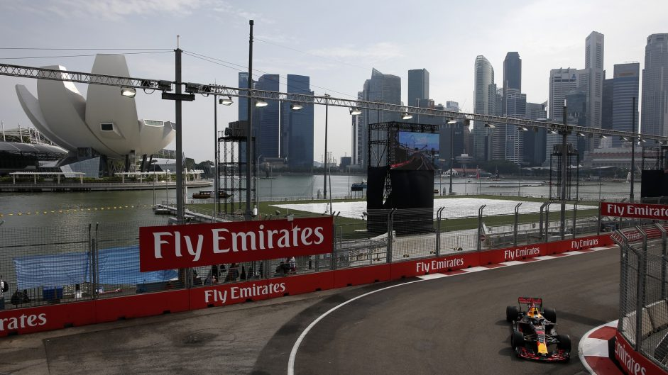 Ricciardo breaks track record in first practice