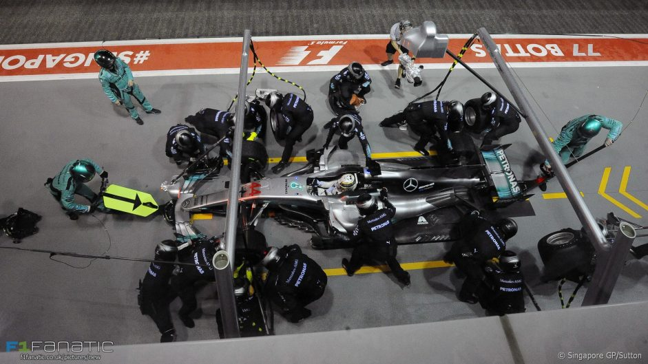 2017 Singapore Grand Prix tyre strategies and pit stops