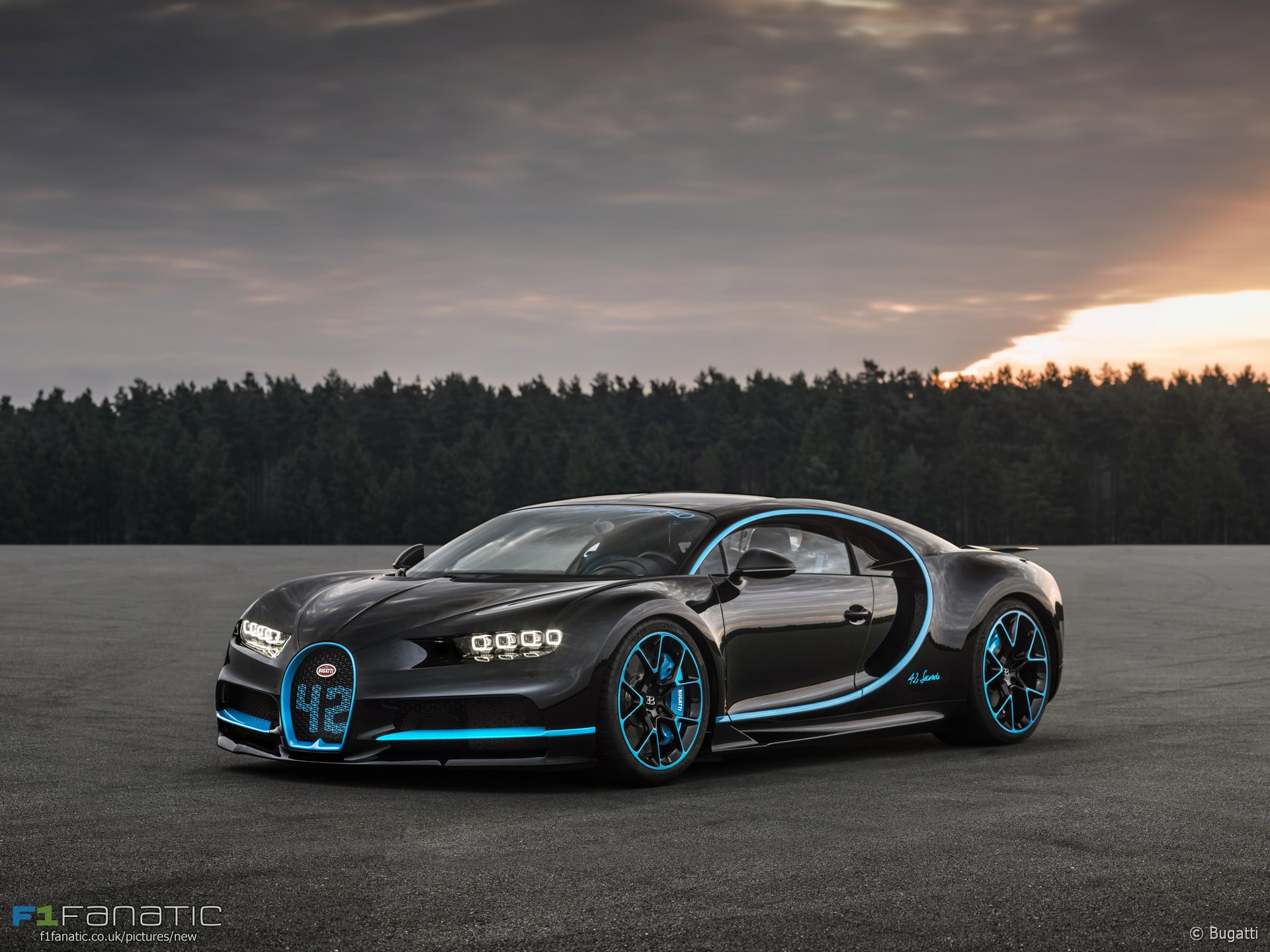 bugatti chiron 2017 f1 fanatic. Black Bedroom Furniture Sets. Home Design Ideas