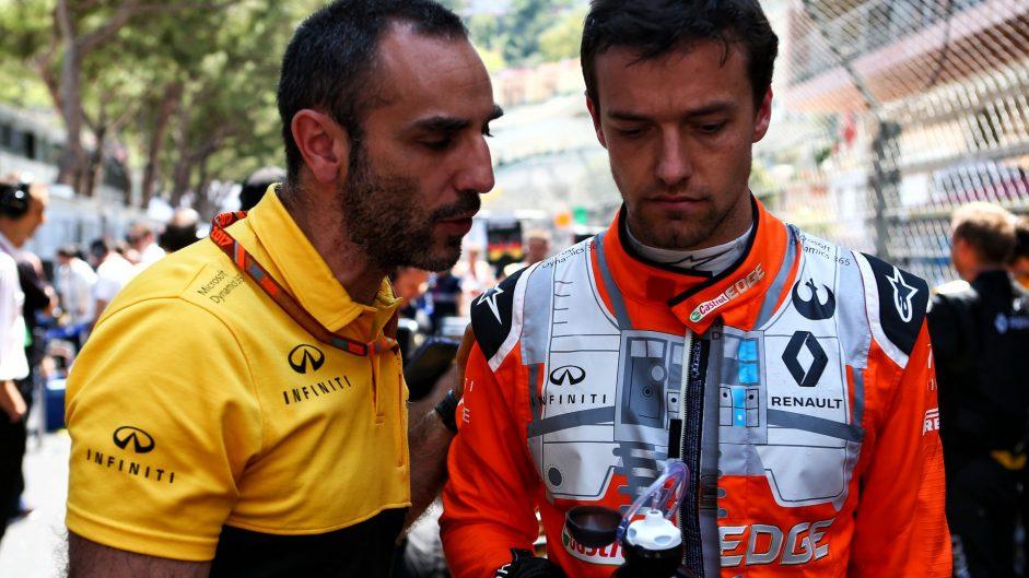 Palmer: Abiteboul 'made it clear he wanted Sainz'