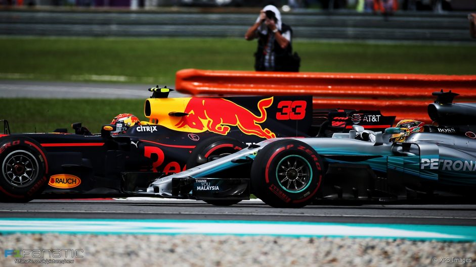 Hamilton says he didn't put up a fight against Verstappen
