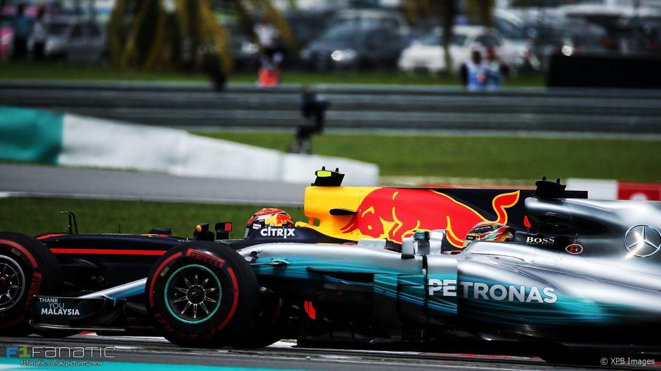 Max Verstappen, Lewis Hamilton, Sepang International Circuit, 2017