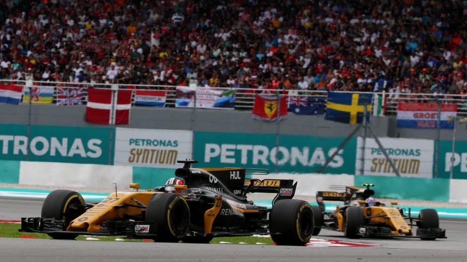 Nico Hulkenberg, Jolyon Palmer, Renault, Sepang International Circuit, 2017