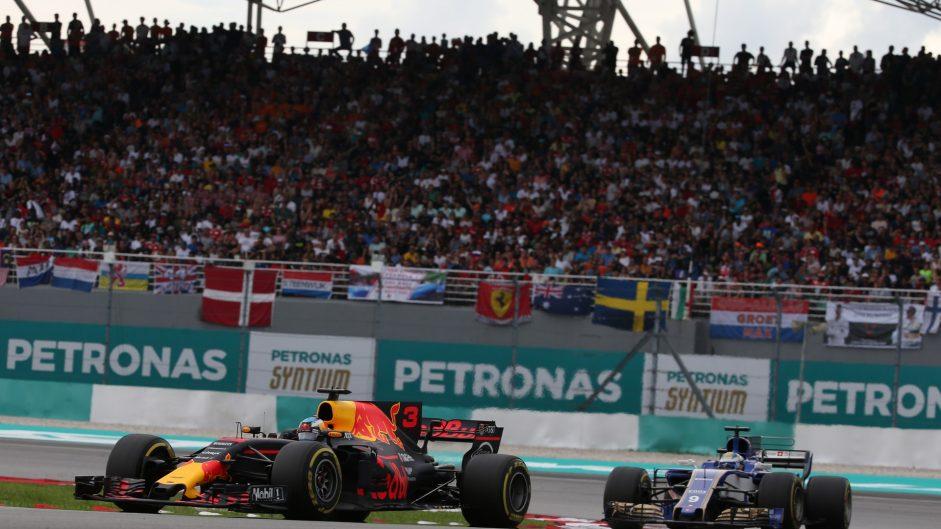 Daniel Ricciardo, Marcus Ericsson, Sepang International Circuit, 2017