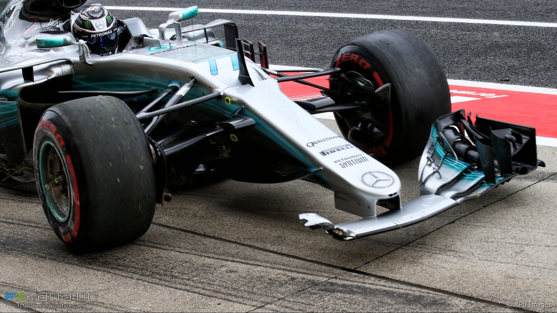 Bottas fastest but crashes in final practice