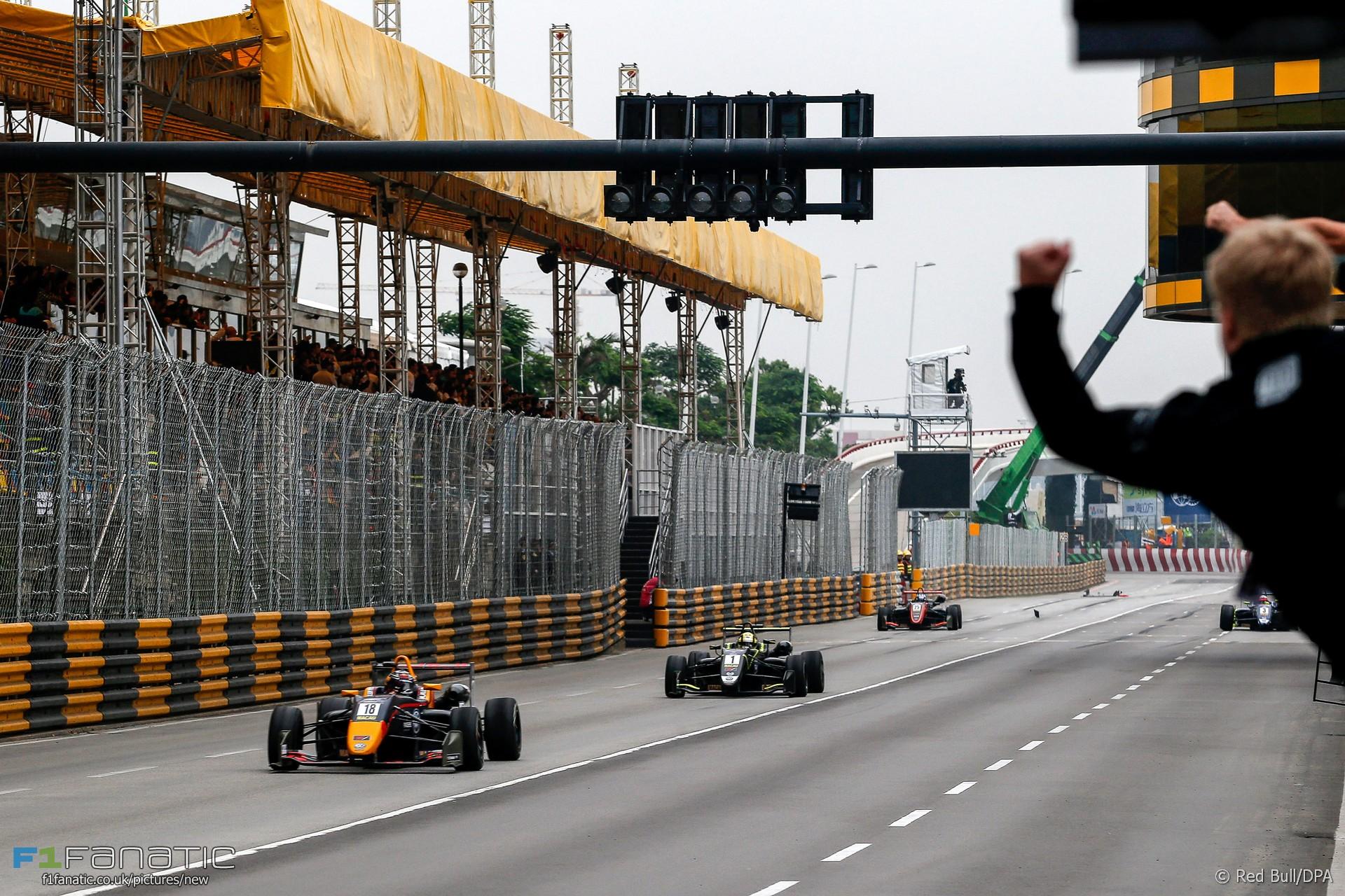 Macau Grand Prix 2017 >> Leaders Crash Out At Final Corner In Sensational Macau Gp