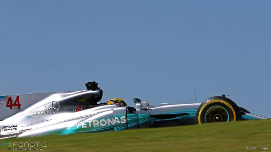 Hamilton edges Bottas in second practice