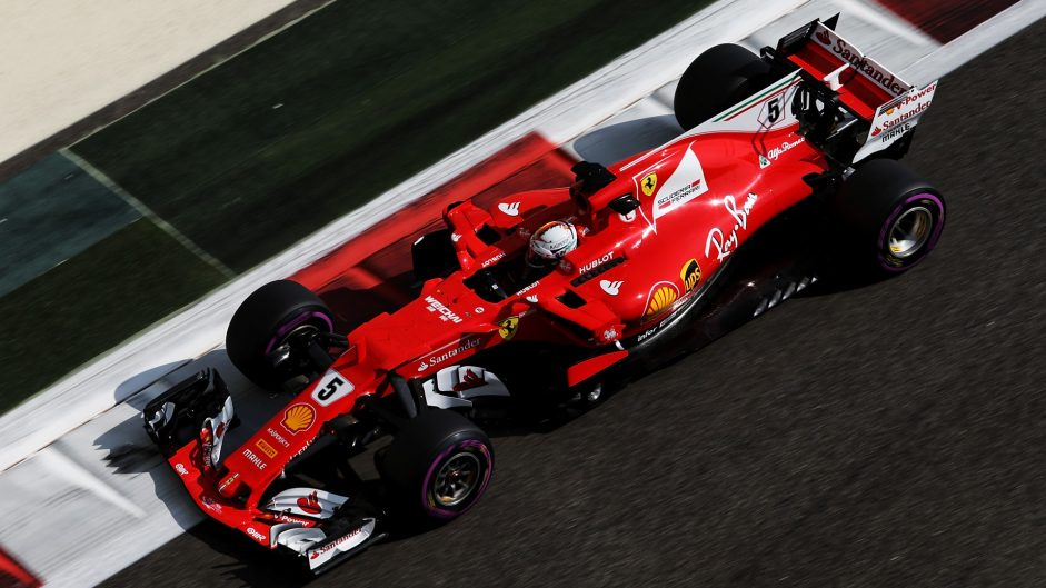 Ferrari, Mercedes and Red Bull covered by a tenth in first practice