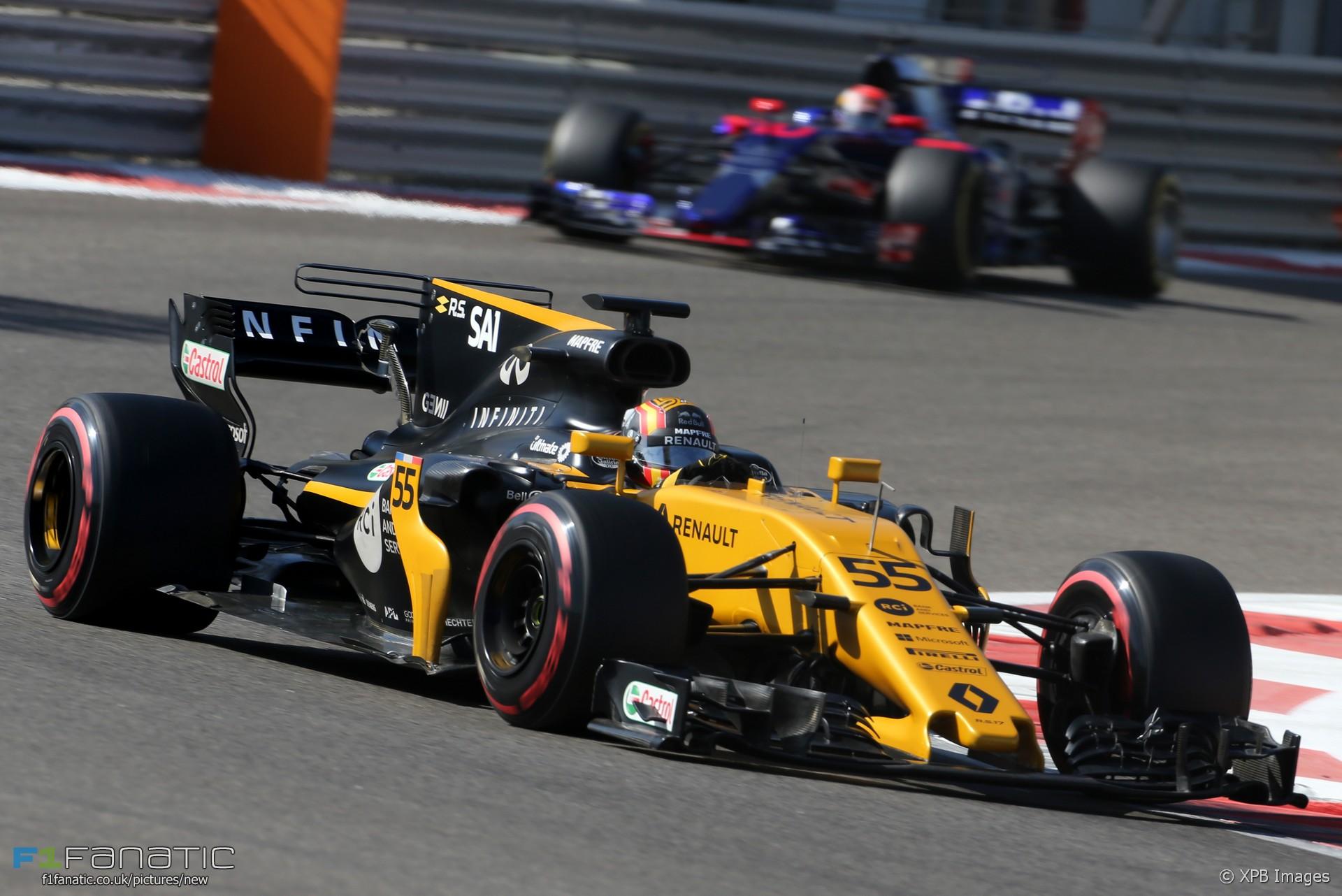 Carlos Sainz Jnr, Renault, Yas Marina, 2017