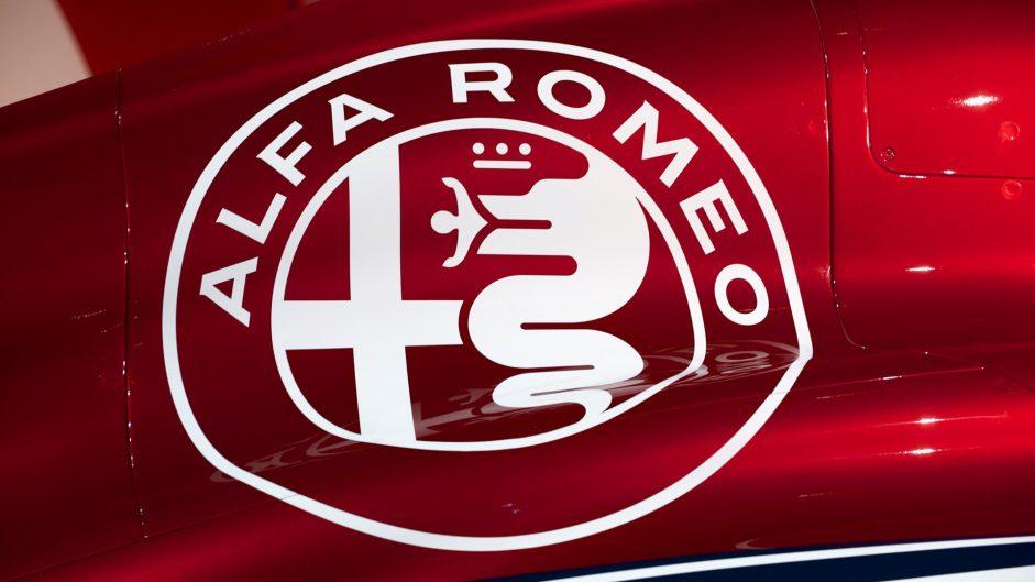Sauber unveils concept Alfa Romeo livery for 2018